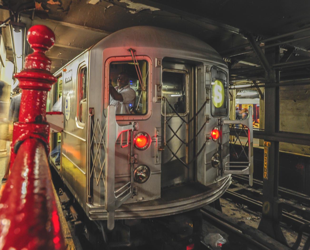 Shuttle Train am Time Square