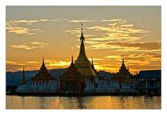 Shwe Myintzu Pagoda at sunset