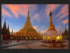 Shwedagon mit Strahlen - DRI
