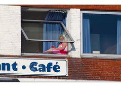 Sich aus den Fenster lehnen ist ein muss... ist Leben...