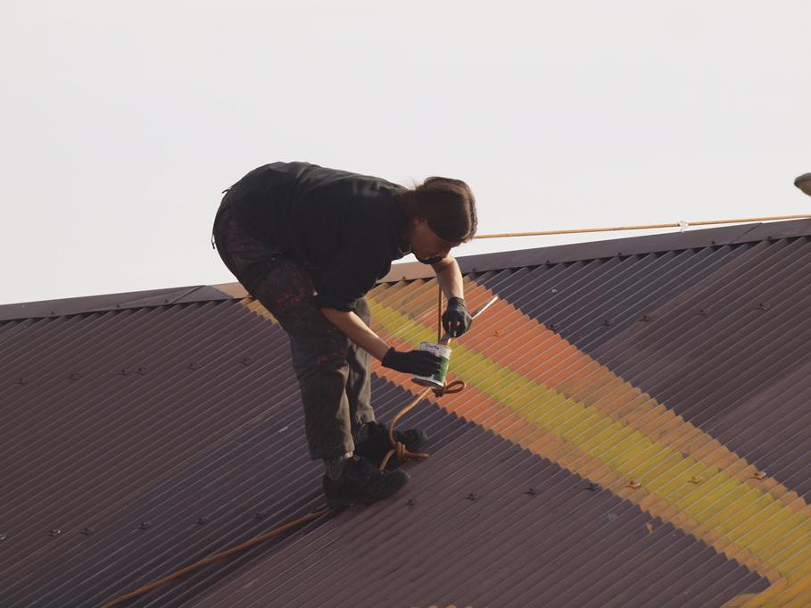 Sich selber aufs Dach steigen um den auf den Strich zu gehen den man sich selber malt...