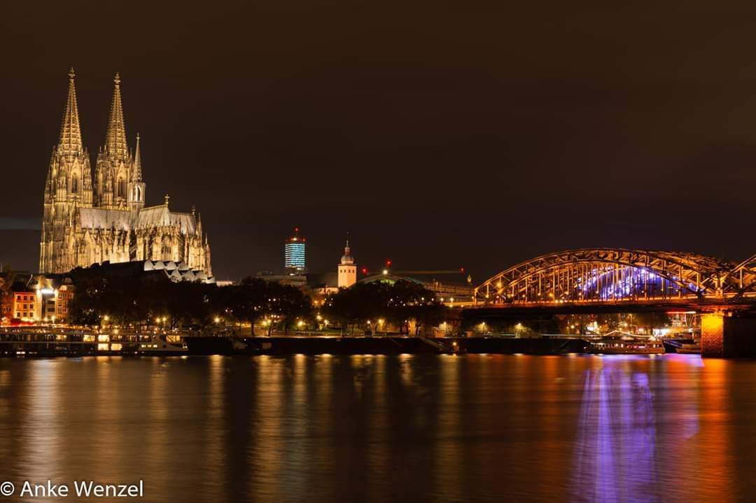 Sicht auf Dom und Hohenzollernbrücke