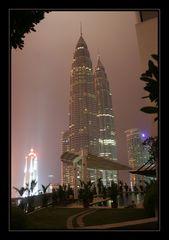 sicht auf twin-towers - KL by night II
