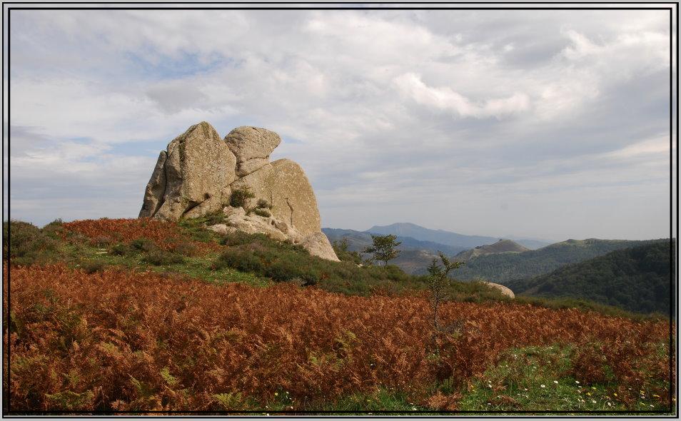 Sicilia.Altopiano di Argimusco.I megaliti (?)