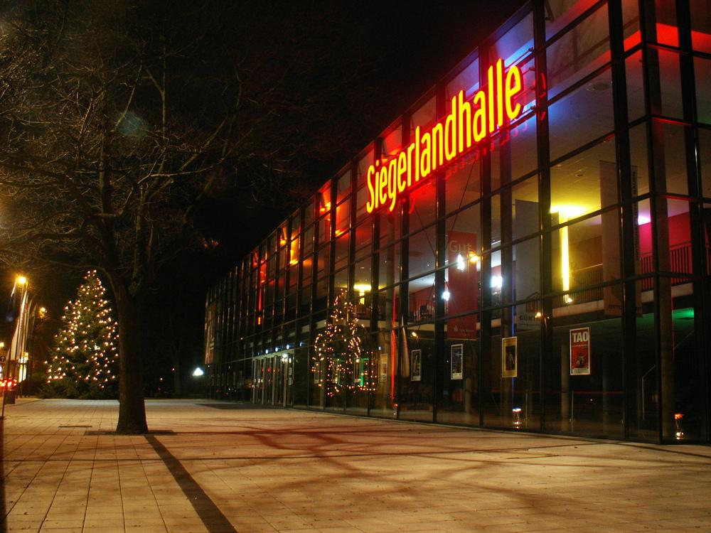 Siegen 1 siegerlandhalle foto bild architektur architektur bei nacht siegen bilder auf - Architektur siegen ...