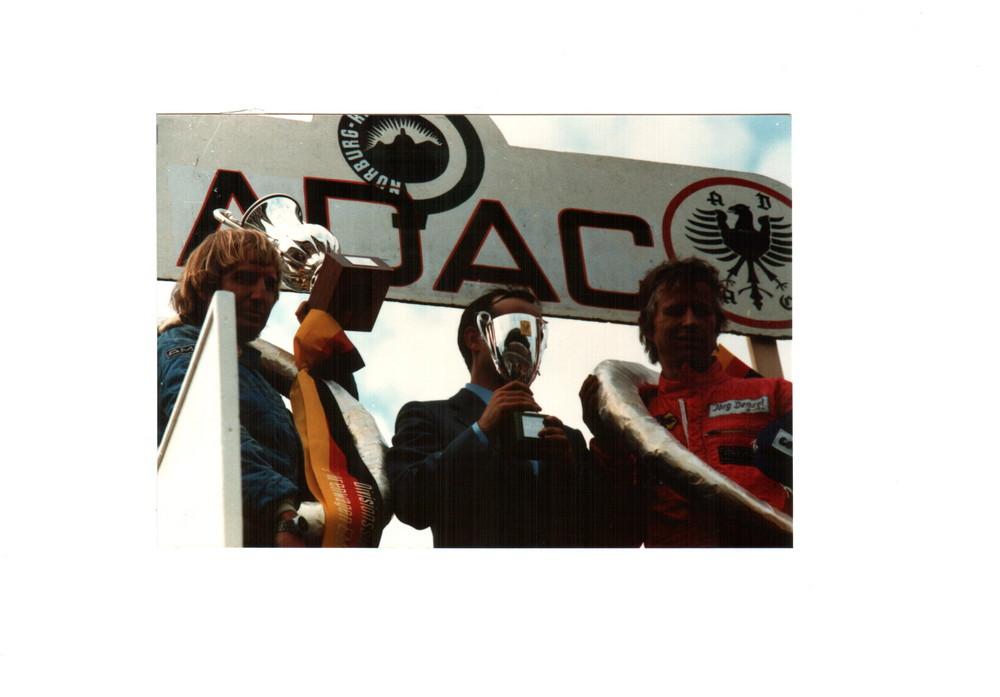 Siegerehrung Clemens Schickentanz und Jörg Denzel Tourenwagen EM Nürburgring 1980 auf AMG 450 SLC