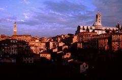 Siena im letzten Glühen der Sonne