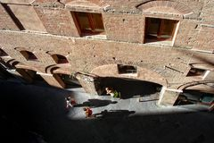 Siena   Morgen im centro storico