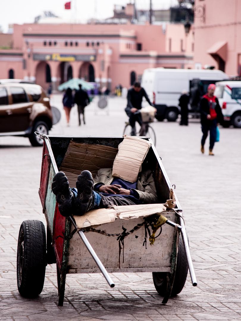 Siesta im Trubel von Marrakesch 1