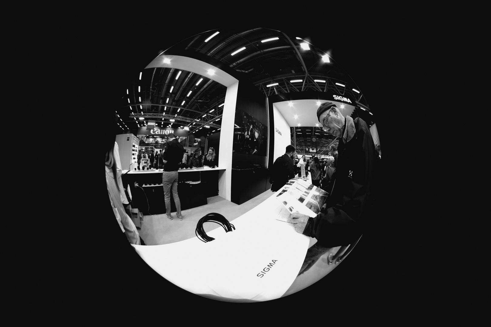 Sigma : 4.5 mm f/2.8 Fisheye circulaire DC EX HSM