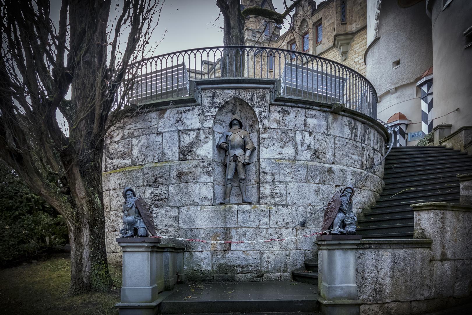 Sigmaringen Schloss Treppe von Kriegern bewacht
