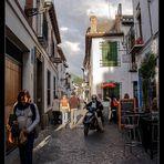 Siguiendo el paraguas naranja... El Albaycín