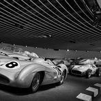 Silberpfeile,....Silberne Eleganz – pure Kraft....Seit über 75 Jahren die Farbe des Erfolgs.