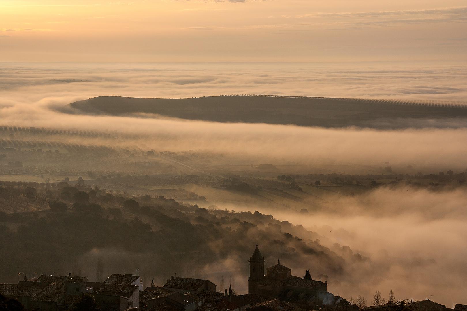 Silencio y Niebla