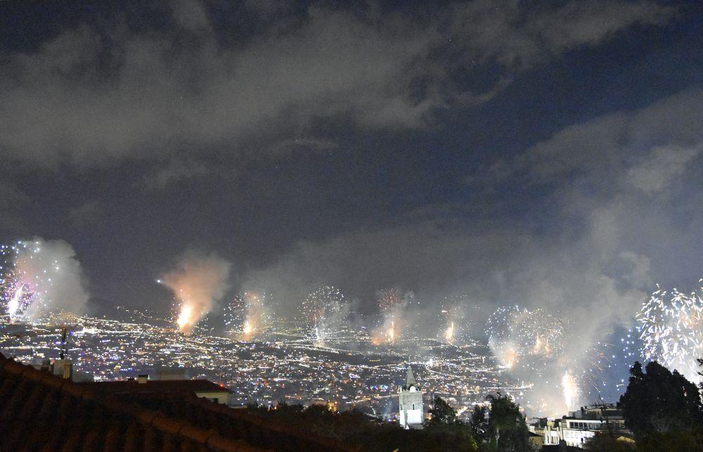 Silvesterfeuerwerk in Funchal auf Madeira (1)
