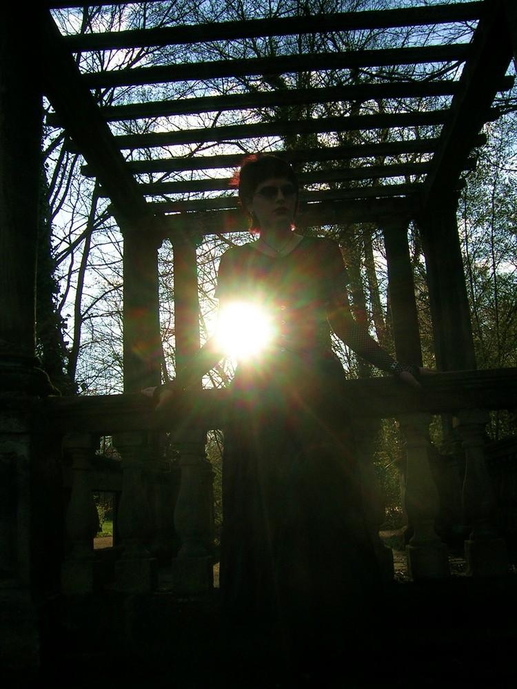 SinAndra im Park Ansbach1 -mystische Sonne