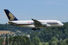 Singapore Airlines Airbus A380-800 04 9V-SKG