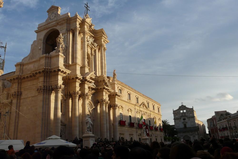 Siracusa - Piazza Duomo il giorno di Santa Lucia