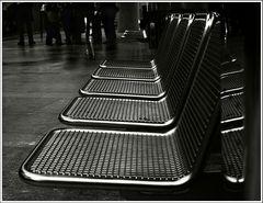 sit and wait | Sitzen und Warten