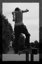 skate should never die..