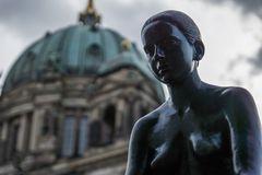 Skulptur an der Spree hinterm Dom #1