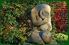 Skulptur eines Bildhauer-Pleinair aus DDR-Zeiten