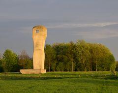 Skulptur in der Abendsonne