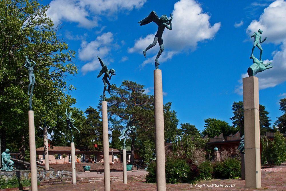 Skulpturen auf Säulen