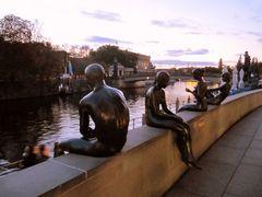 Skulpturengruppe an der Spreepromenade