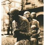 Skulpturengruppe vor der Versöhnungskirche in Dresden