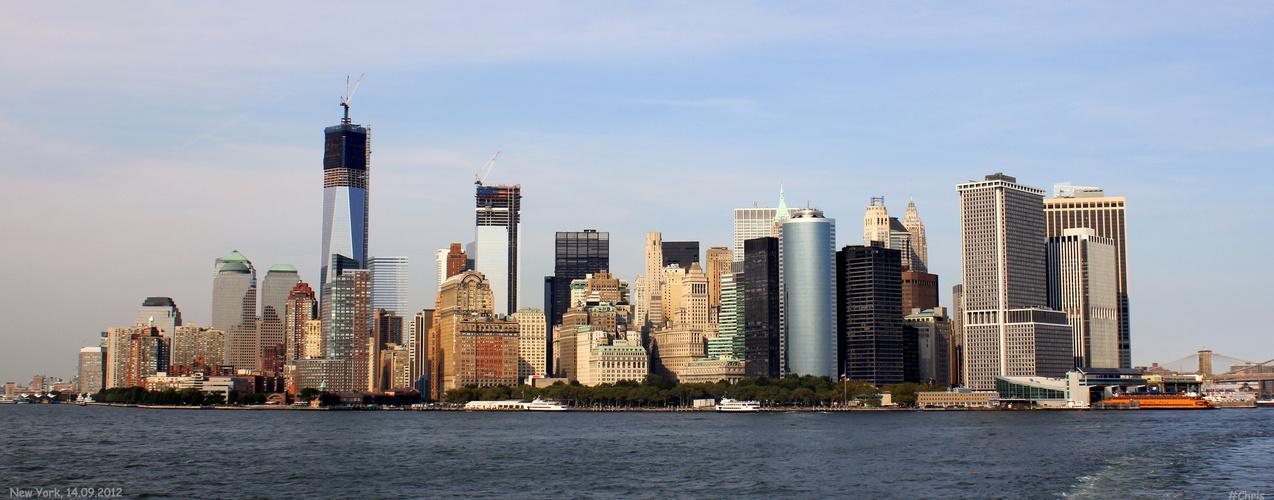 Skyline bei Tag von der Staten Island Ferry