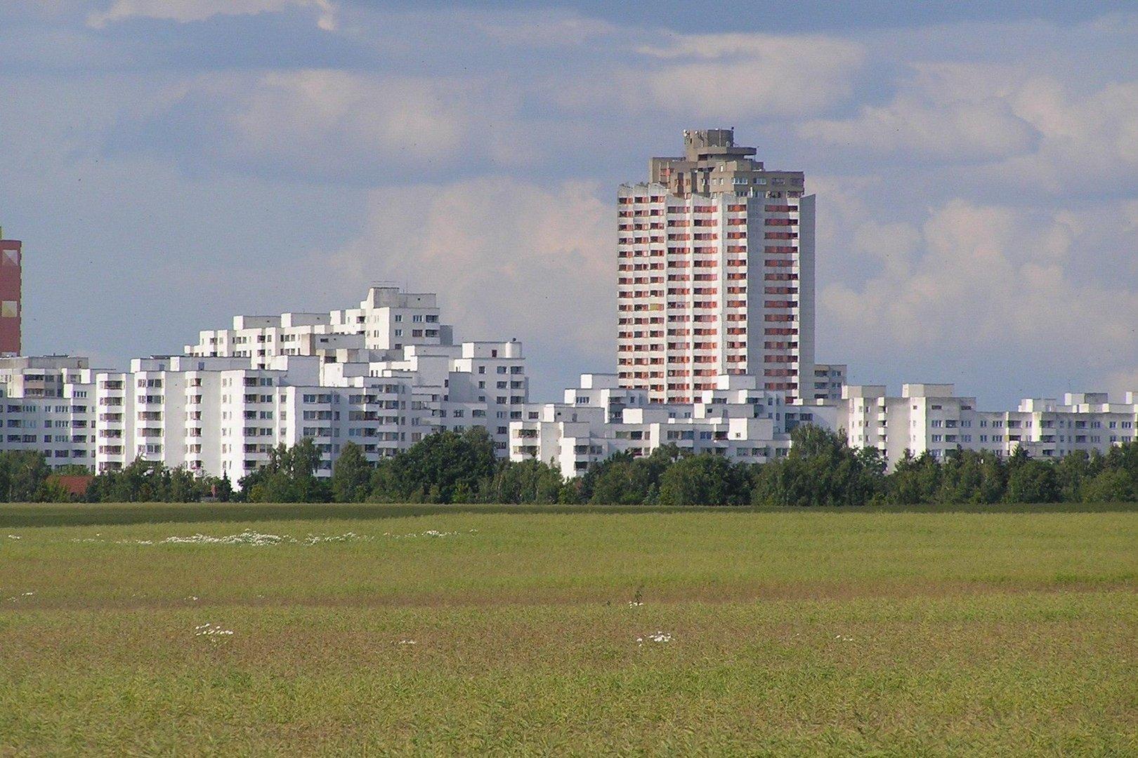 skyline berlin marienfelde vom brandenburger umland aus gesehen foto bild architektur. Black Bedroom Furniture Sets. Home Design Ideas