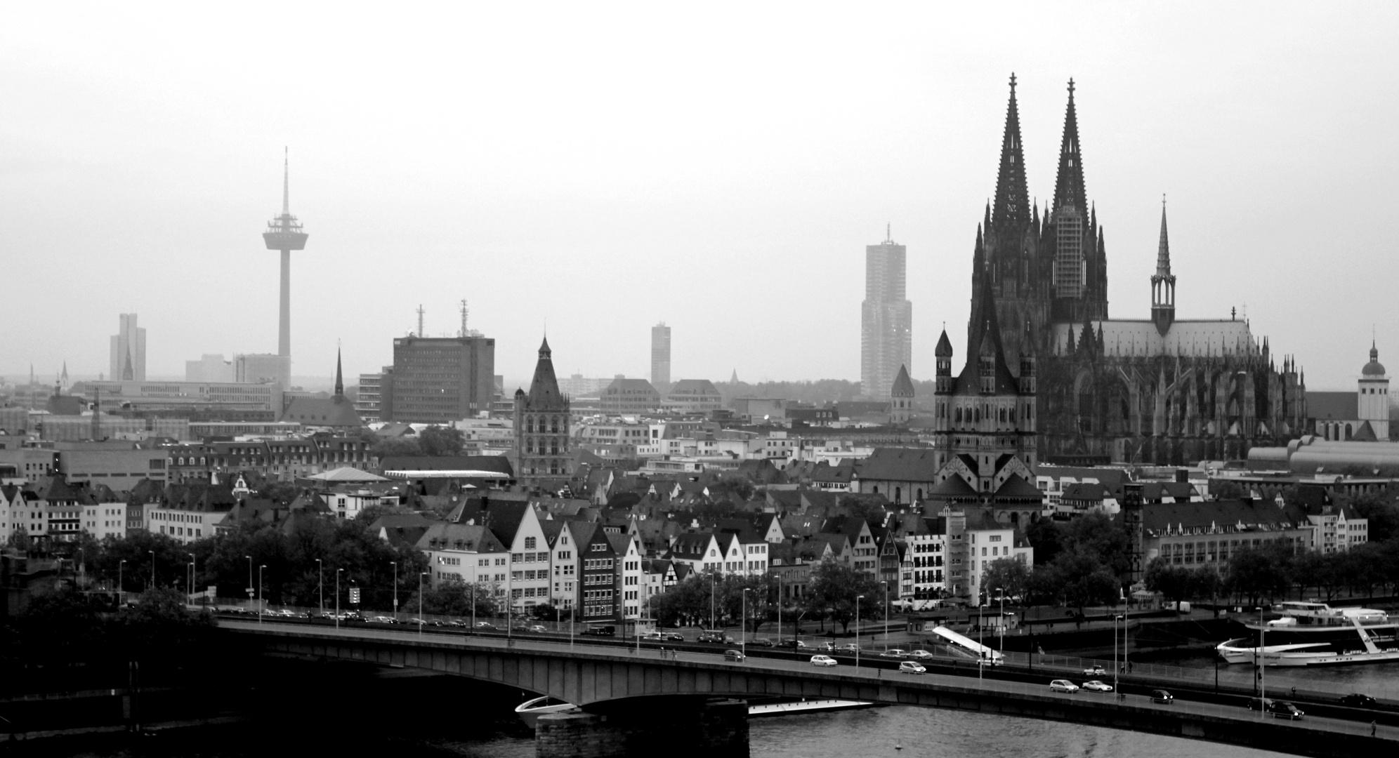 skyline cologne foto bild deutschland europe nordrhein westfalen bilder auf fotocommunity. Black Bedroom Furniture Sets. Home Design Ideas