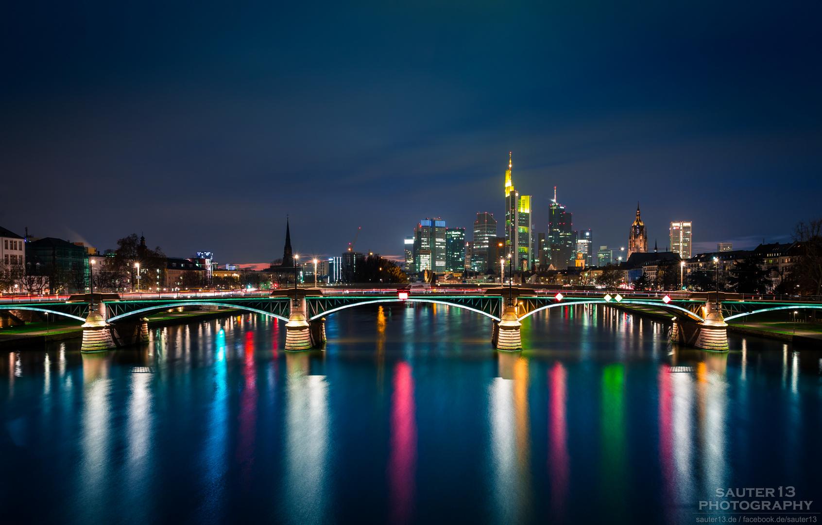 skyline frankfurt foto bild architektur architektur bei nacht langzeitbelichtung bilder. Black Bedroom Furniture Sets. Home Design Ideas
