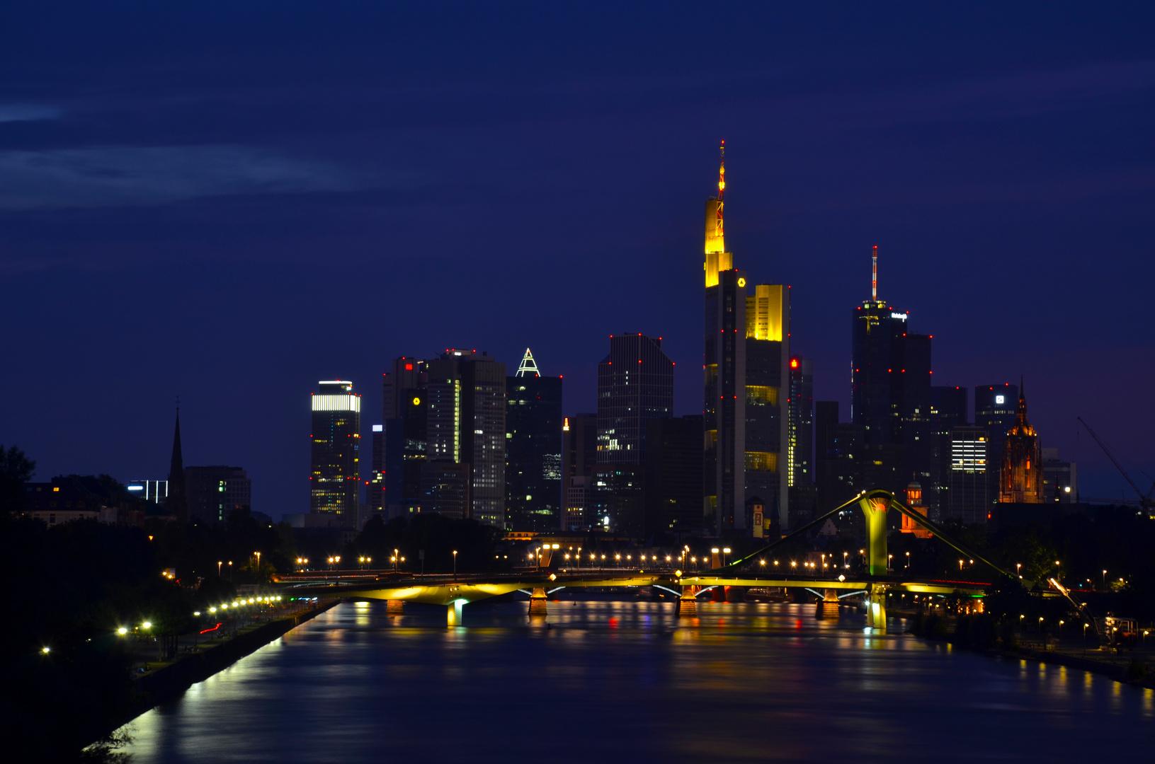 Skyline Frankfurt bei Nacht