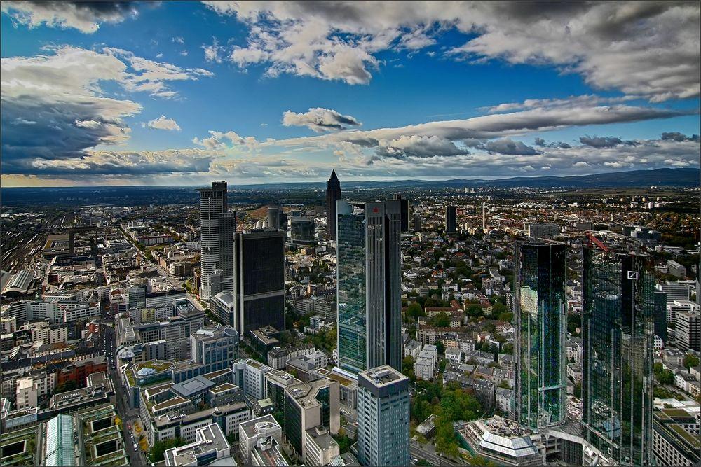* Skyline Frankfurt *