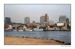 - Skyline Hamburg -