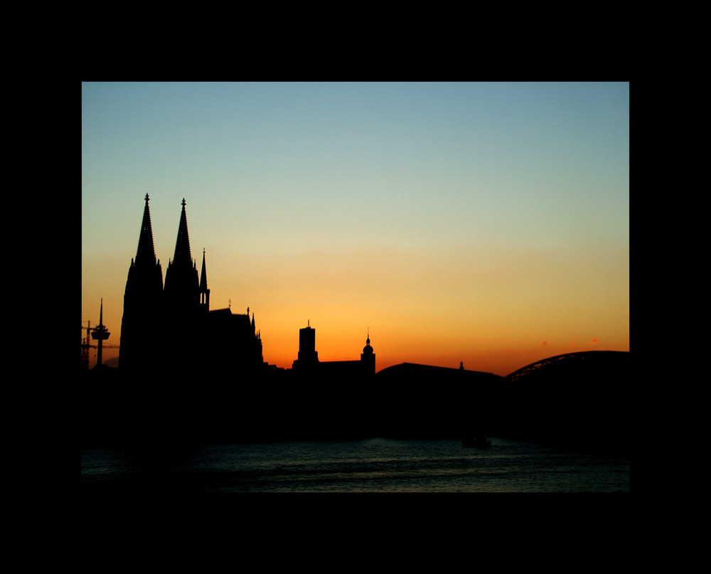 Skyline Köln im Abendrot