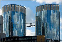 Skyline Offenbach im Spiegel