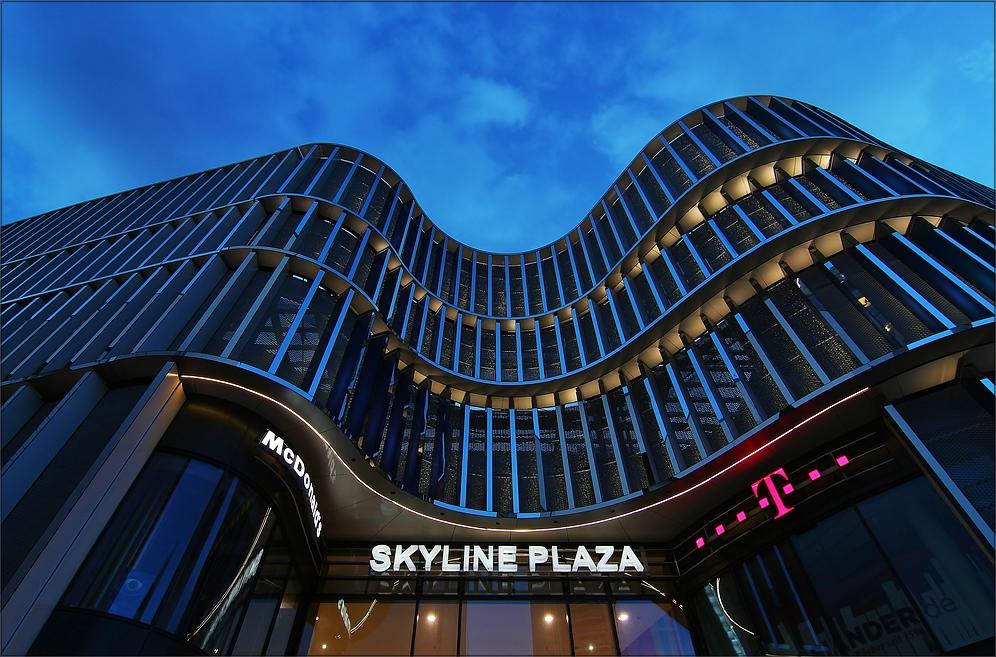 * Skyline Plaza **°