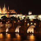 Skyline Prag: Karlsbrücke und Prager Burg
