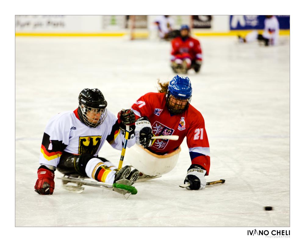 Sledge hockey2