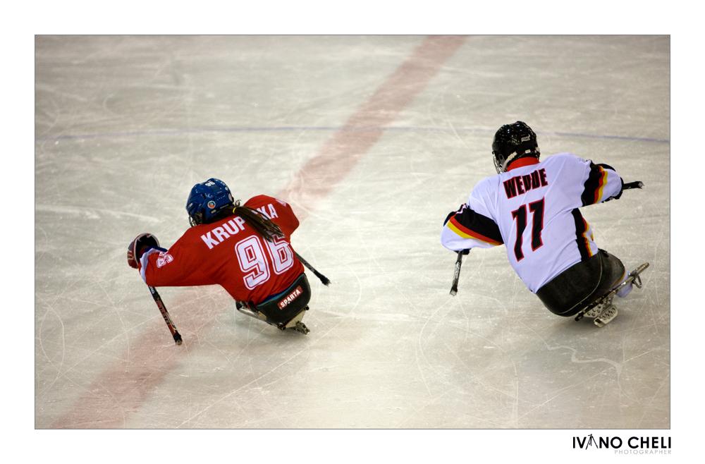 Sledge hockey3