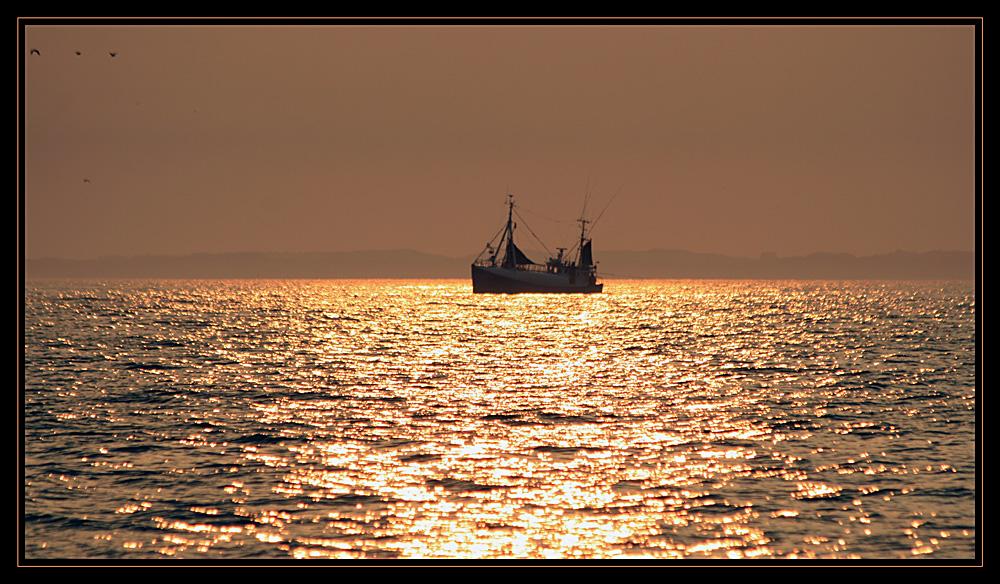 Sleepy fishermen 01