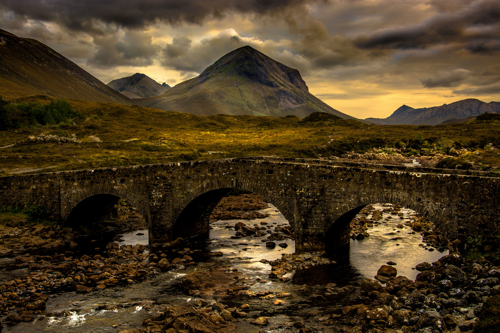 Sligachan Bridge vor den Black Cuillins