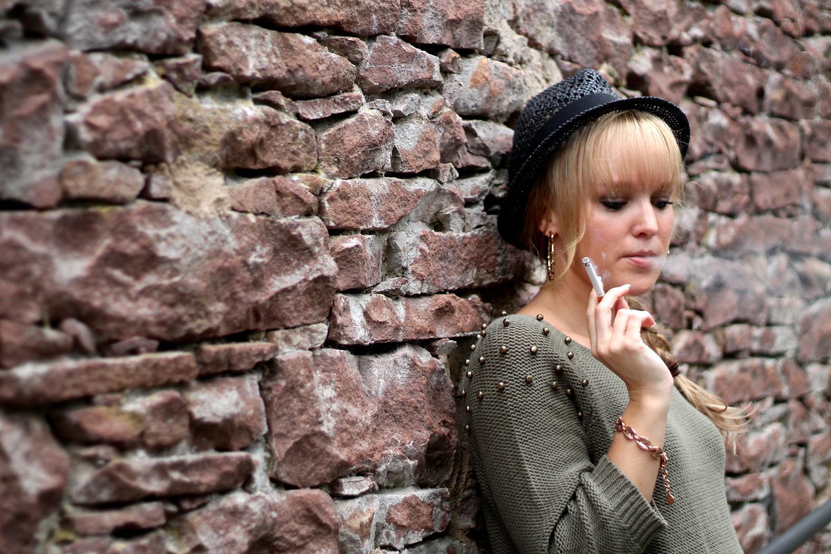 Smoking Girl!