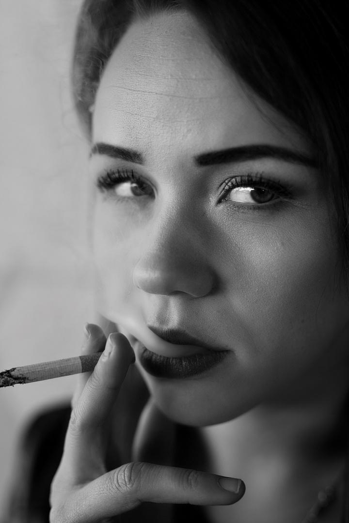 """""""Smoking Girl"""""""