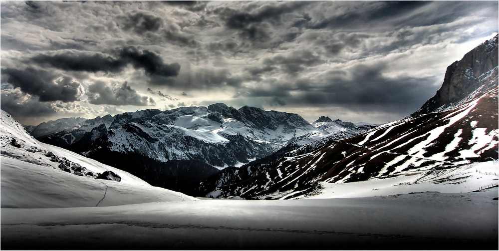 Snow in the Dolomites ...