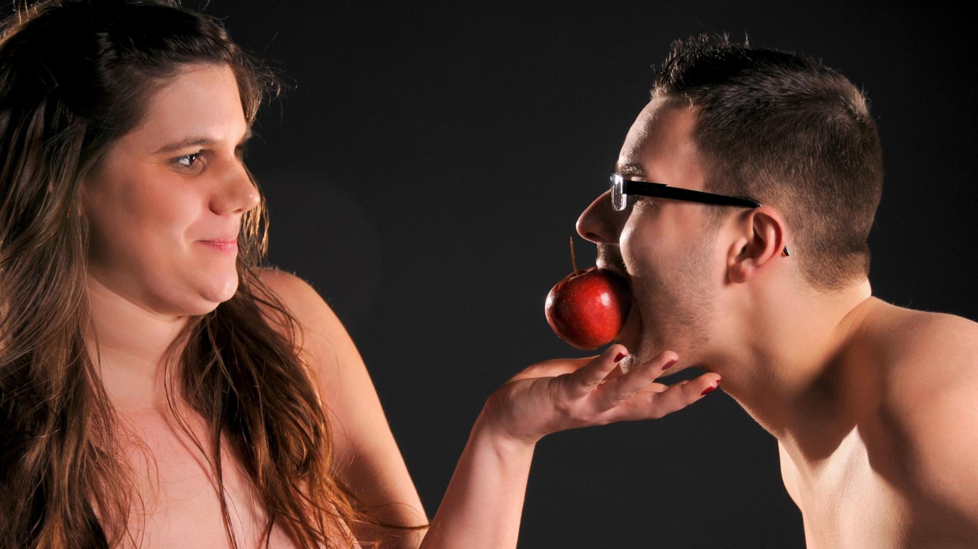 so ging Eva vor..... sie brauchte....... nur einen Apfel !