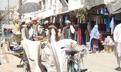 So sieht ein Bürgersteig in Kabul aus! II